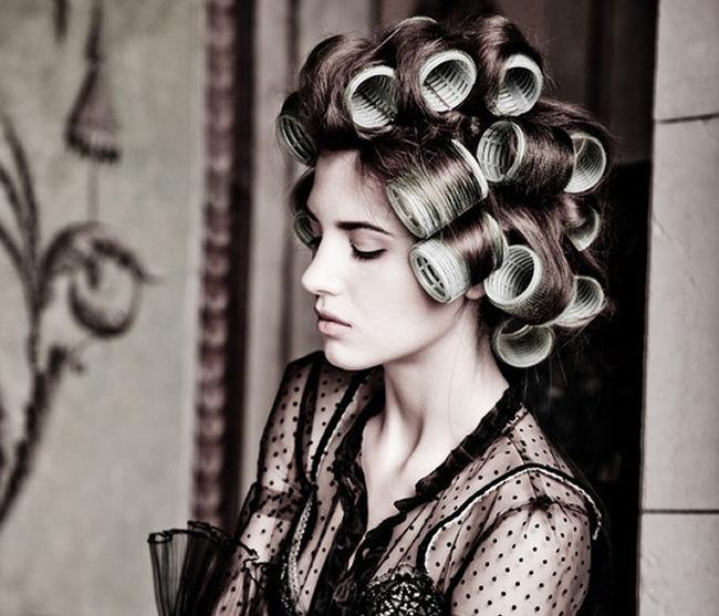 Sekarang Anda harus bertindak hati-hati dan hati-hati menyemprotkan produk  dengan rambut cb256ccec8