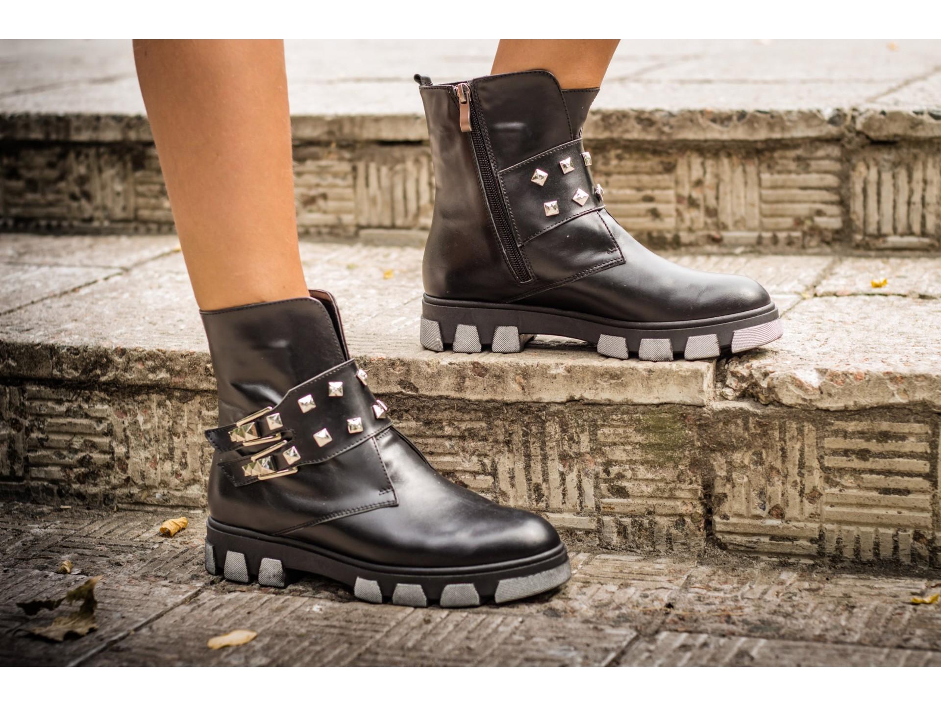 6def246305 Főbb tendenciák: - éles zokni; - a
